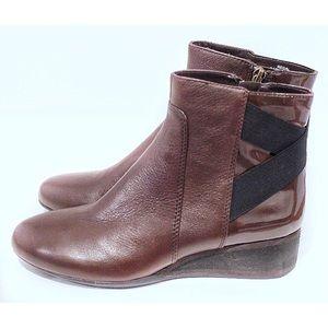 NIB DKNY Regal Brown Leather Booties